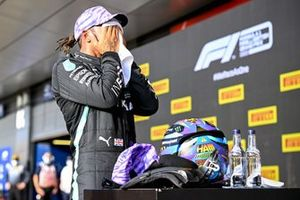 Pole man Lewis Hamilton, Mercedes, wipes his face