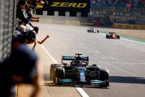 Race Winner Lewis Hamilton, Mercedes W12 crosses the finish line