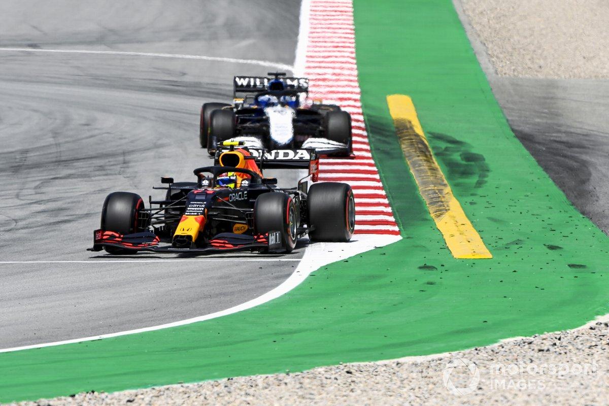 Sergio Pérez, Red Bull Racing RB16B, Roy Nissany, piloto de desarrollo de Williams FW43B
