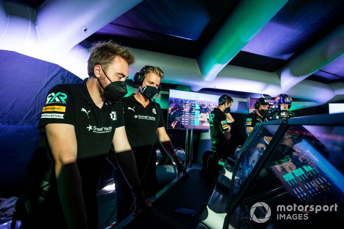 Nico Rosberg, fundador y CEO de Rosberg X Racing, en el centro de comando
