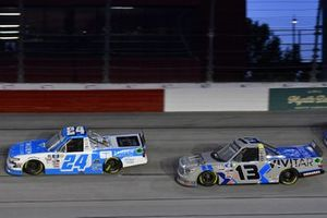 #24: Ryan Reed, GMS Racing, Chevrolet Silverado Tandem Diabetes Care, #13: Johnny Sauter, ThorSport Racing, Toyota Tundra Vivitar/RealTree