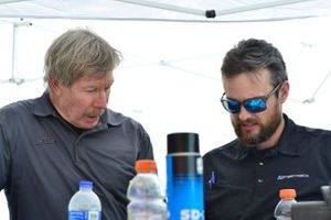 Lee Quinlan of Fields Racing talks strategy with his crew