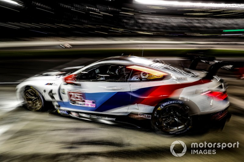 #25 BMW Team RLL BMW M8 GTE, GTLM: Augusto Farfus, Connor De Phillippi, Philipp Eng, Colton Herta, pit stop