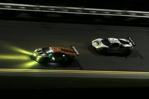 #63 Scuderia Corsa Ferrari 488 GT3: Cooper MacNeil, Toni Vilander, Dominik Farnbacher, Jeff Westphal, #11 GRT Grasser Racing Team Lamborghini Huracan GT3: Rolf Ineichen, Mirko Bortolotti, Christian Engelhart, Rik Breukers