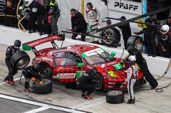 #9 PFAFF Motorsports Porsche 911 GT3 R, GTD: Scott Hargrove, Zacharie Robichon, Lars Kern, Dennis Olsen, Pit Stop