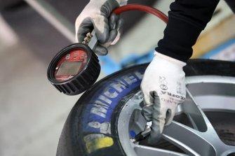 Controllo della pressione di gonfiaggio di uno pneumatico Michelin