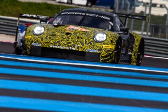#56 Project 1 Porsche 911 RSR: Egidio Perfetti, Giorgio Roda