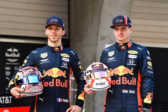 Pierre Gasly, Red Bull Racing and Max Verstappen, Red Bull Racing with Mobil for 1000th race