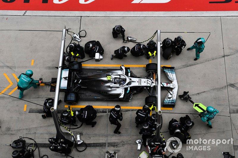 Валттері Боттас, Mercedes AMG W10 , піт-стоп