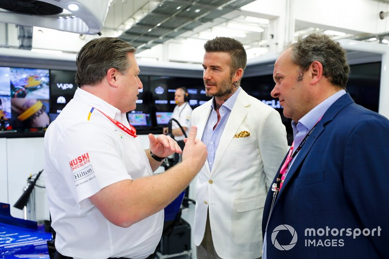 David Beckham con Zak Brown, Director Ejecutivo de McLaren