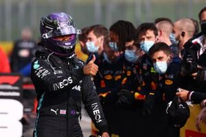 Lewis Hamilton, Mercedes, 2nd position, celebrates with his team in Parc Ferme
