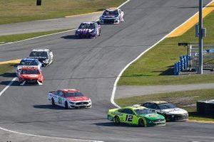 Ryan Blaney, Team Penske, Ford Mustang Menards/Libman and Matt DiBenedetto, Wood Brothers Racing, Ford Mustang Motorcraft/Quick Lane