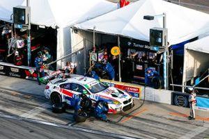 #96 Turner Motorsport BMW M6 GT3, GTD: Pit Stop, Bill Auberlen, Robby Foley, Aidan Read, Colton Herta