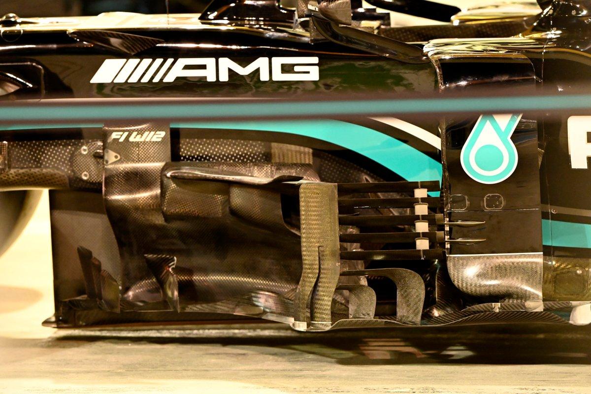Mercedes W12 bargeboards ve sidepod detay