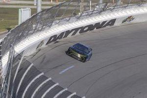 Chris Buescher conduce el coche de la próxima generación de la NASCAR