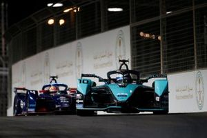 Sam Bird, Panasonic Jaguar Racing, Jaguar I-Type 5, Robin Frijns, Envision Virgin Racing, Audi e-tron FE07