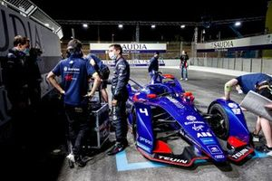 Robin Frijns, Envision Virgin Racing, Audi e-tron FE07, on the grid