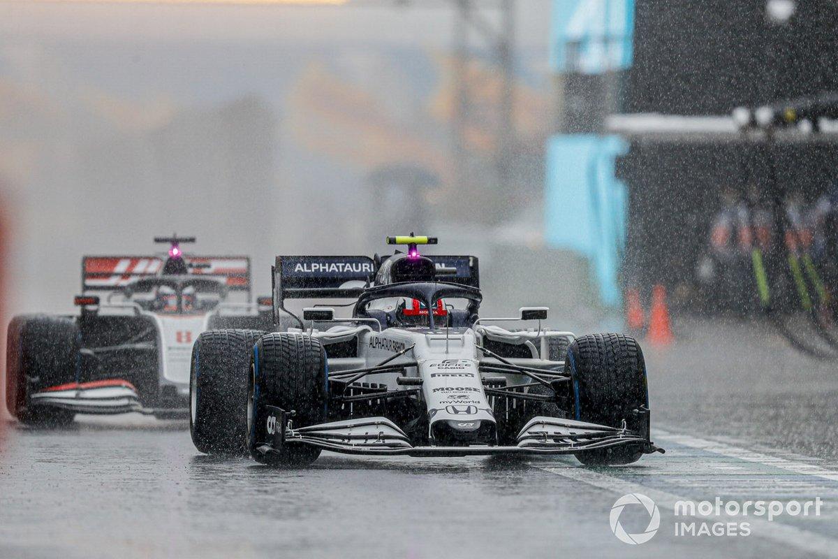 Pierre Gasly, AlphaTauri AT01, Romain Grosjean, Haas VF-20