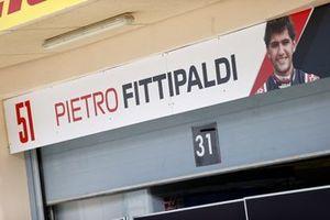 Pietro Fittipaldi, Haas F1 Pilote de Test et de Réserve sur le panneau du garage