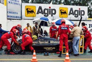 Ayrton Senna, Lotus 97T Renault, durante un control