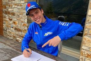 Joan Mir, Team Suzuki MotoGP signs his contract