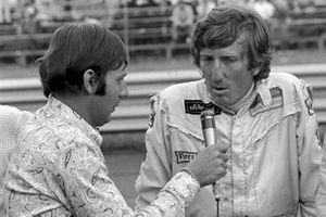 Jochen Rindt, entrevistado por el comentarista de la radio austriaca Heinz Pruller