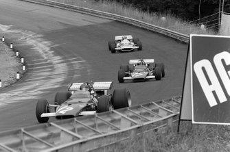 Jacky Ickx, Ferrari 312B , Clay Regazzoni, Ferrari 312B y Jean-Pierre Beltoise, Matra MS120