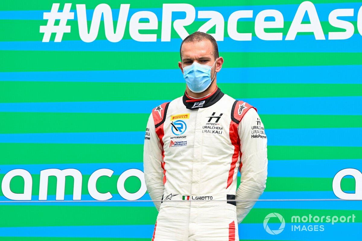 El ganador Luca Ghiotto, Hitech Grand Prix