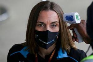 Claire Williams, Directrice Général Adjointe, Williams Racing se fait contrôler sa température
