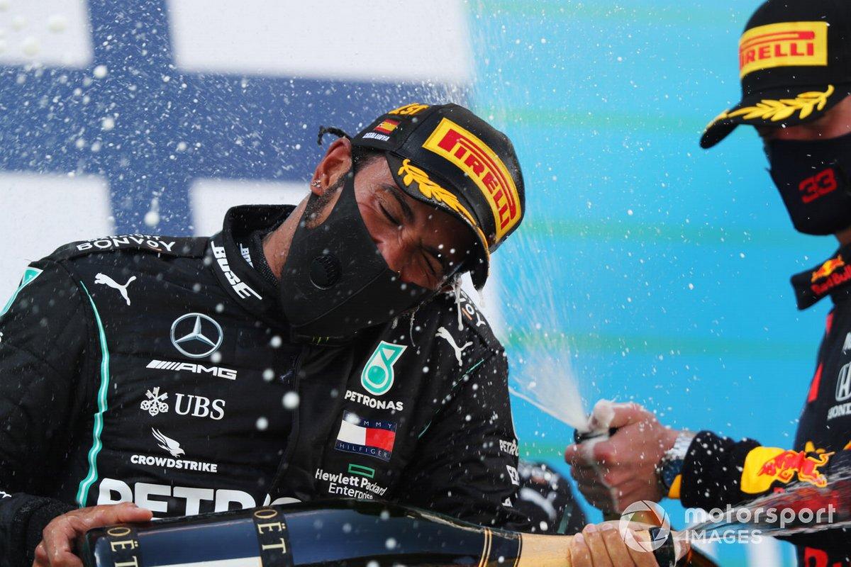 Podio: ganador, Lewis Hamilton, Mercedes-AMG Petronas F1