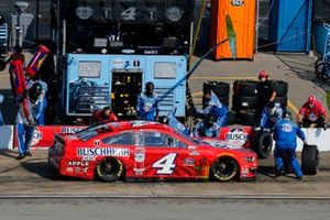 Kevin Harvick, Stewart-Haas Racing, Ford Mustang Busch Light Apple pit stop