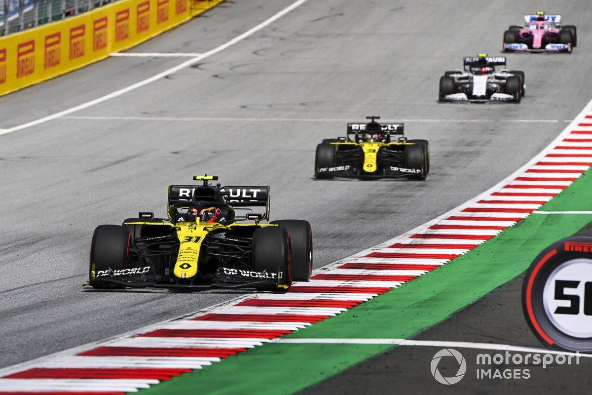 Esteban Ocon, Renault F1 Team R.S.20 y Daniel Ricciardo, Renault F1 Team R.S.20