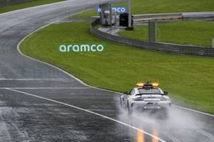 The Safety Car tests the track conditions