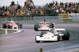 James Hunt, Hesketh Ford 308, Emerson Fittipaldi, McLaren M23, Clay Regazzoni, Ferrari 312T