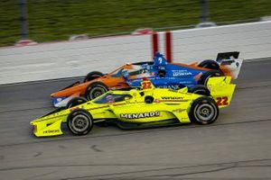 Simon Pagenaud, Team Penske Chevrolet y Scott Dixon, Chip Ganassi Racing Honda