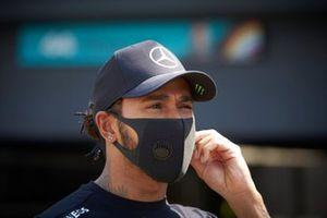 Lewis Hamilton, Mercedes-AMG Petronas F1 parle aux médias