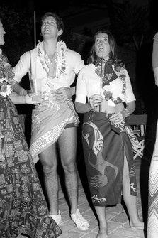 Jody Scheckter, Tyrrell con su esposa Pam en una fiesta temática