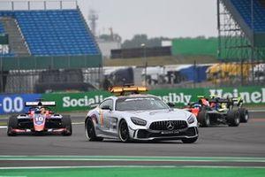 The safety car leads Lirim Zendeli, Trident