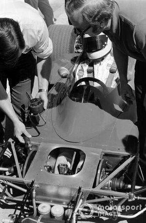 John Miles, Lotus 72 Ford en Colin Chapman