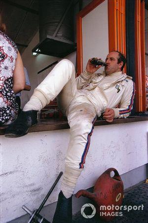 Denny Hulme, McLaren dans les stands