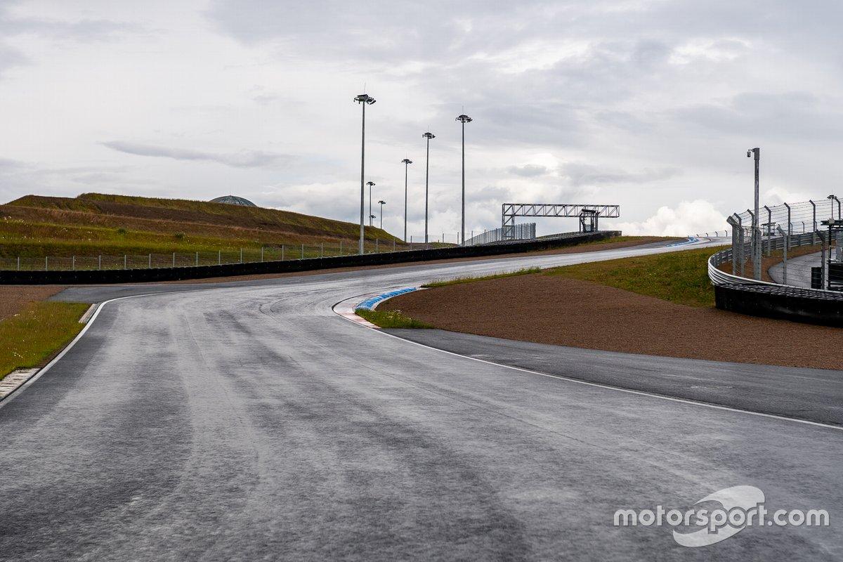 Igora Drive track view
