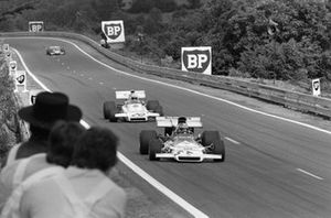 Jean-Pierre Beltoise, BRM P160B in the spare 'T' car leads Carlos Reutemann, Brabham BT37 Ford