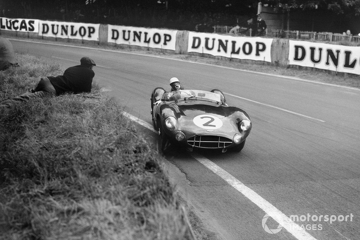 В экипаже с Джеком Брэбэмом Мосс выступил в «Ле-Мане» 1954 года на Aston Martin DBR1