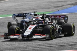 Romain Grosjean, Haas VF-20 e George Russell, Williams FW43