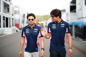 Sergio Perez, Racing Point et Lance Stroll, Racing Point dans le paddock