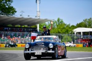 Robert Kubica, Williams Racing, in the drivers parade