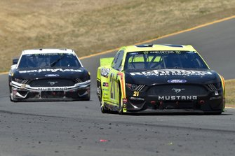 Paul Menard, Wood Brothers Racing, Ford Mustang Menards / Richmond and Aric Almirola, Stewart-Haas Racing, Ford Mustang Smithfield