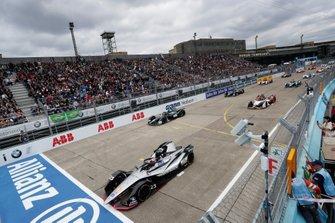 Sébastien Buemi, Nissan e.Dams, Nissan IMO1, at the start of the race