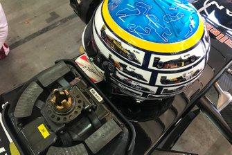 Steering wheel and helmet