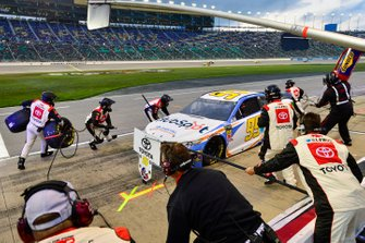 Matt DiBenedetto, Leavine Family Racing, Toyota Camry Digital Momentum / Hubspot makes a pit stop, Sunoco